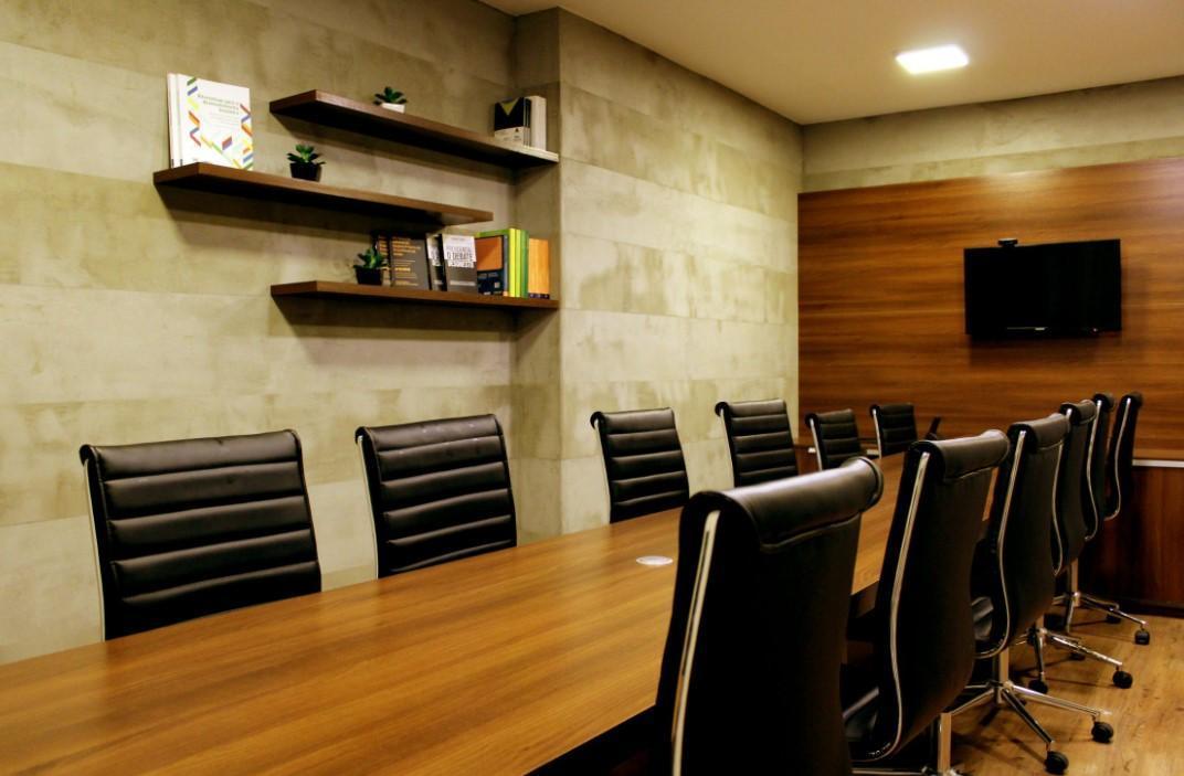 Büroräume für Mandanten und Mitarbeiter sauber halten